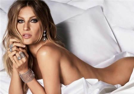 2021珠宝广告 全裸出镜演绎性感魅惑 吉赛尔·邦辰代言Vivara