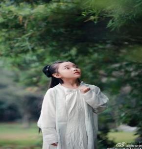 童星陶奕希晒出汉服写真, 清纯可爱气质佳 ,陶奕希微博